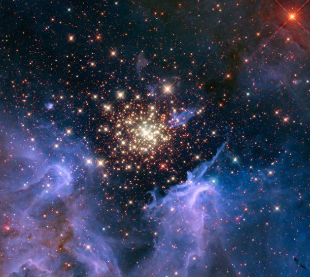 NASA_hs-2010-22-Hubble_Märchen 4