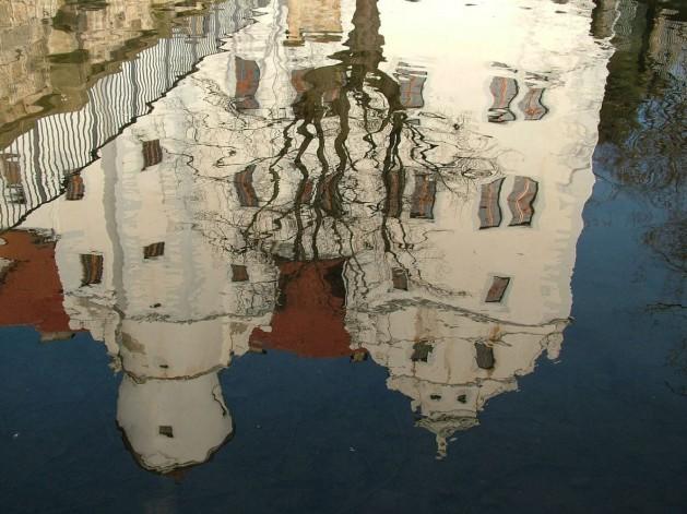 Spiegelung-Wasser-Burg_SNIP